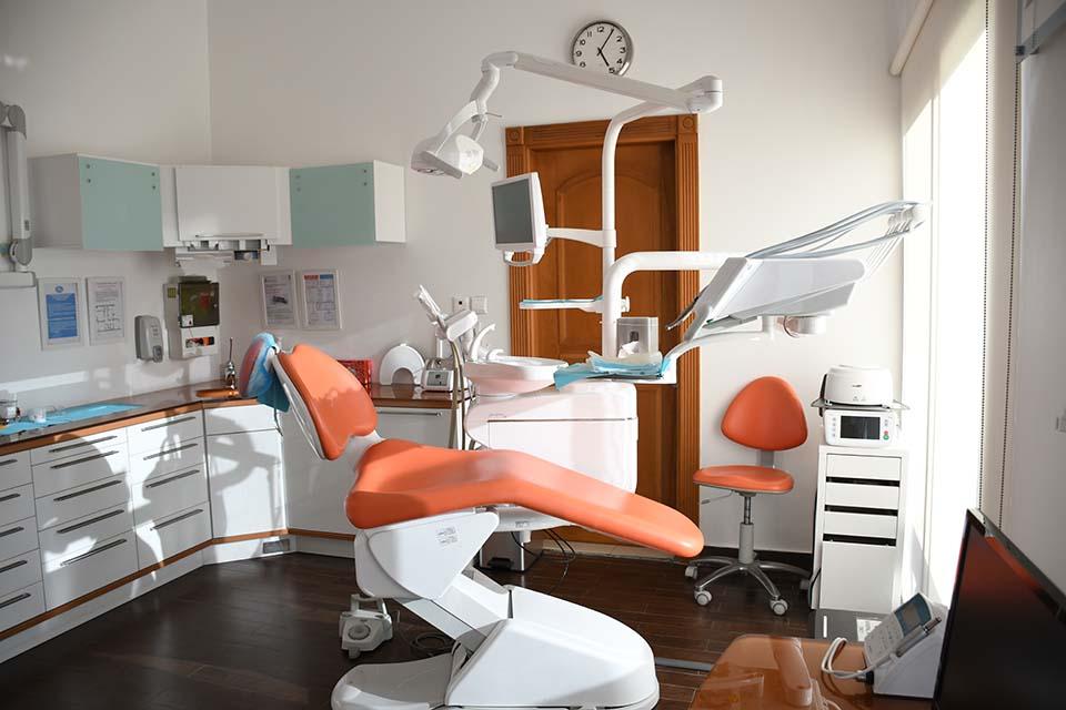好想擁有一口美齒!有竹北植牙推薦的診所或醫師嗎?